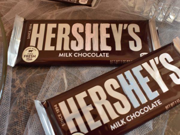 Hershey's She or He